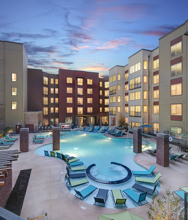 College sublease, college student housing near university-of-alabama , university-of-alabama off campus lofts