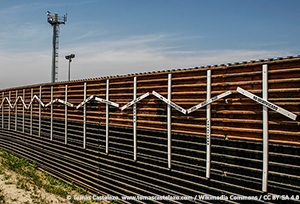 Mexico–United States barrier at the border of Tiju