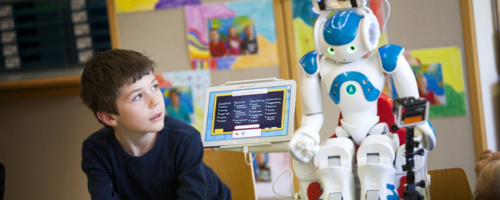 7 Ways Artificial Intelligence Can Be Used in An Educational Setting
