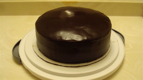 4-Chocolate-Cake with-Ganache-and Lacquer-Glaze.jpg