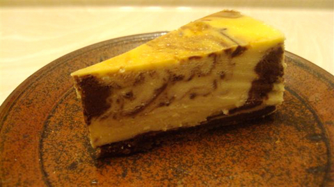 cleanly-sliced-marble-cheesecake.jpg