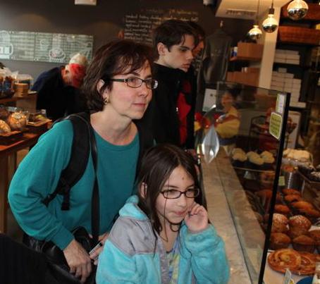 10.Pam-&-Isabelle-at-Flour.jpg
