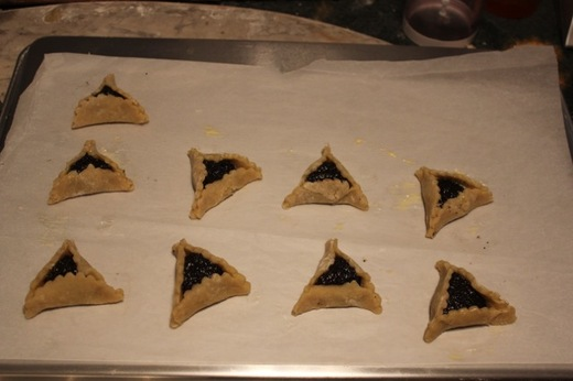 Hamantaschen_3_formed.jpg
