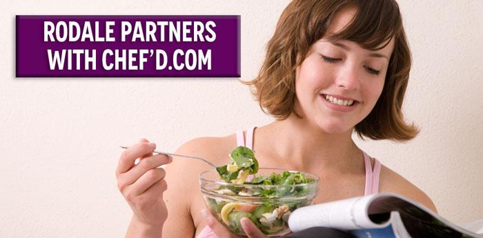 Girl-eating-salad-reading