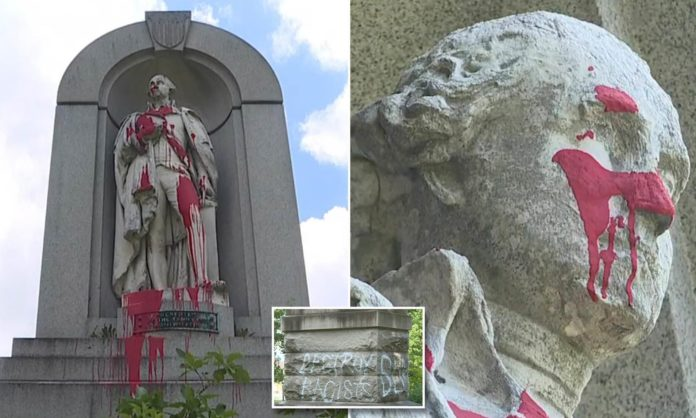 Vandals toss red paint at George Washington statues on famed NYC arch