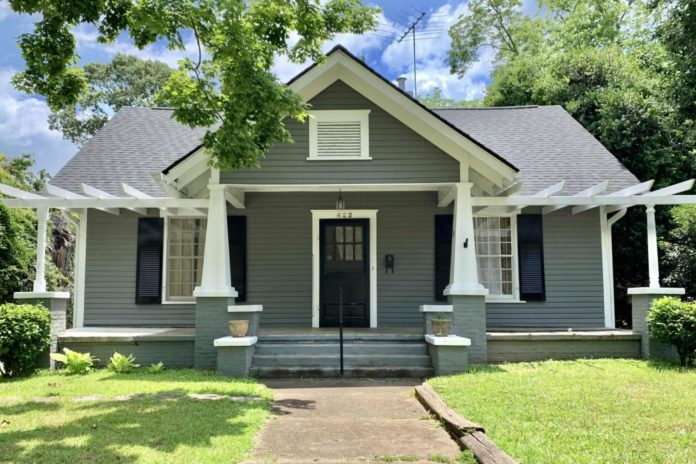 This pristine 100-year-old house is free, but there's a huge catch