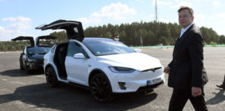 Tesla Autodrivers are getting too distraced whil;e Autopilot is on