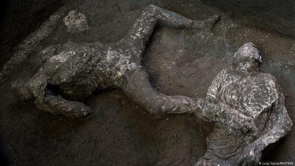 The remains of a master and his slave were found in almost perfect condition in Pompeii