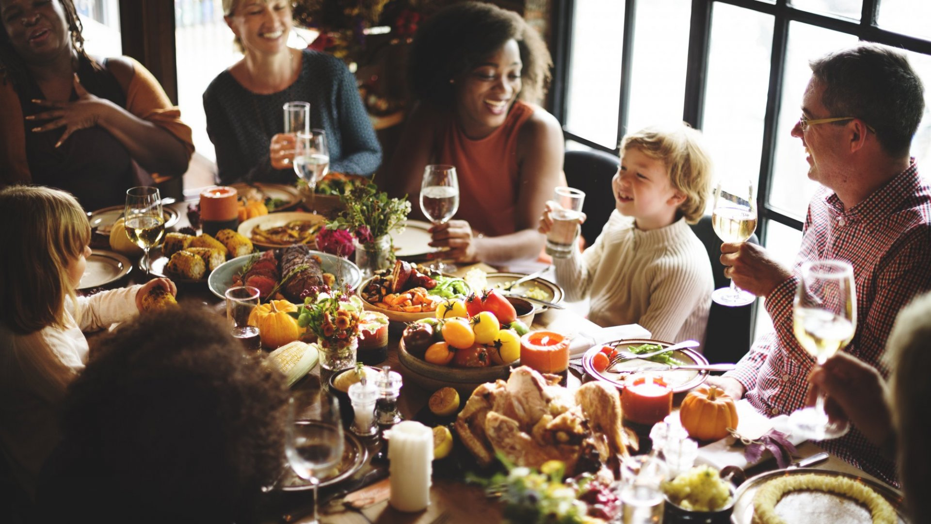 """How to create a good """"constructive arguing"""" environment while at the table for Thanksgiving"""