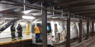 Man injured after jumping in front of Manhattan train