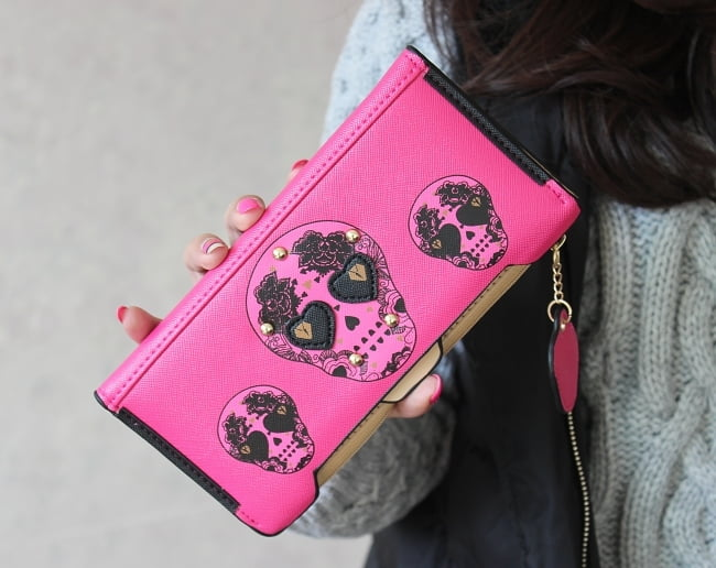 Sugar Skulls accessories add color to an outfit