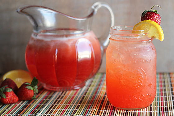 Summer Cocktail Recipe Strawberry Lemonade with Alcohol