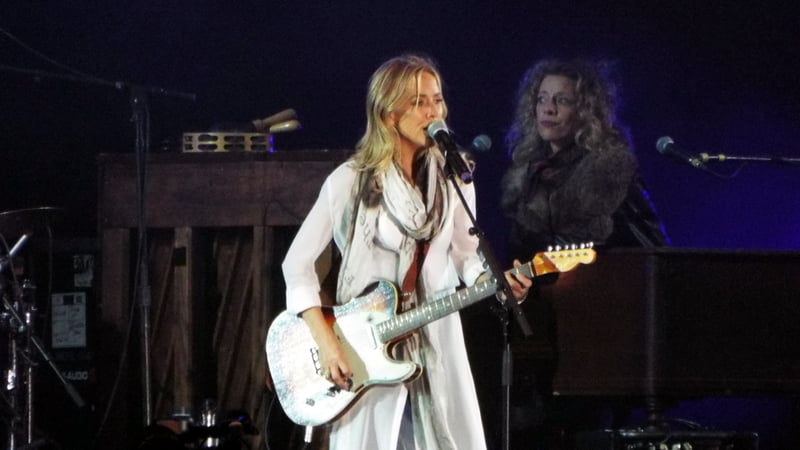 Sheryl Crow sings at Unite To Face Addiction