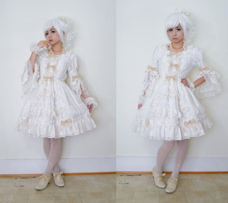 Shiro Lolita is all-white fashion.