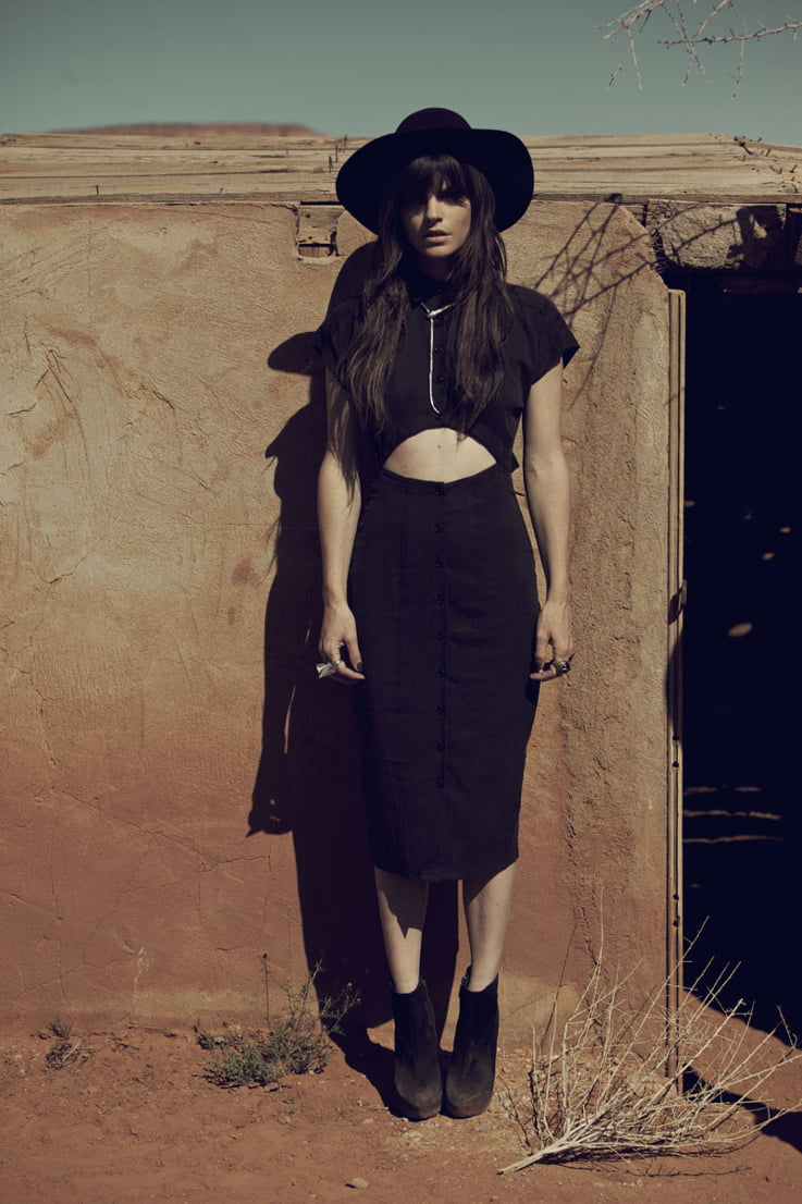 desert, goth, goth girl, minimalist, cutout dress, lbd, little black dress,