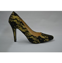 Golden_pointed_toe_pump_with_lace_pumps_2