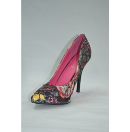 Pointed_toed_floral_print_pump_with_pink_interior_pumps_4