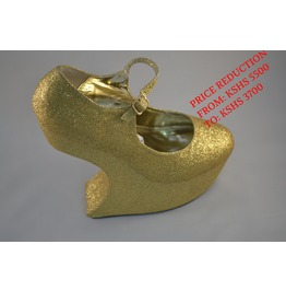 Gold_sculpted_wedges_wedges_2