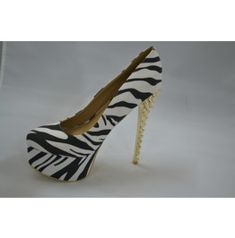 Animal_print_heel_laced_with_spikes_on_the_heel_heels_2