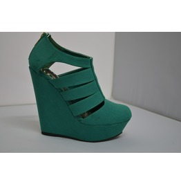 Close_toe_green_wedges_with_t_srap_wedges_3