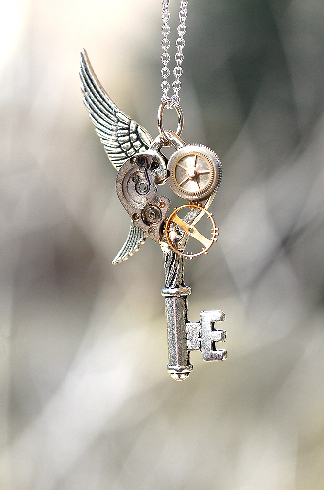 25 Steampunk Jewelry Designs That Will Blow Your Mind