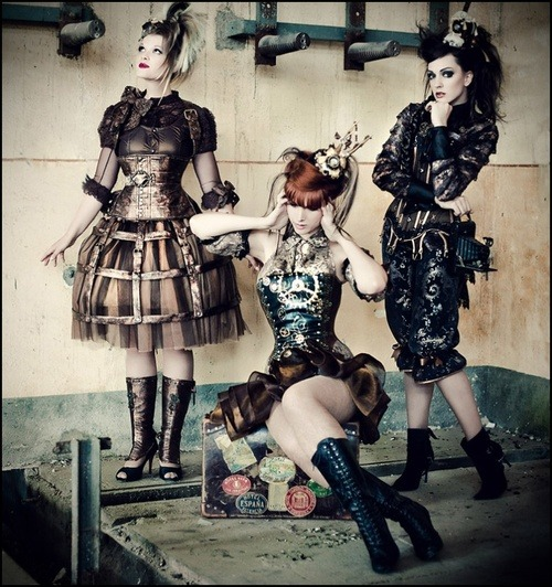 Punk rock fashion designers 74