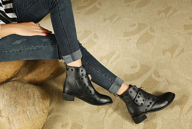 Skull Head Strap Rivets Low Heel Boots