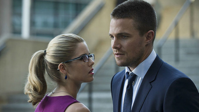 Arrow felicity oliver back together the cw 680x382