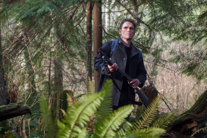 Wayward pines season 1 episode 5 ethan in woods e1433876068929
