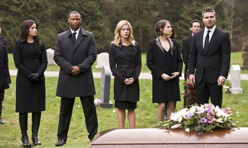 Arrow season 4 laurel funeral 500x300