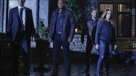 Arrow season 5 episode 8 100 invasion