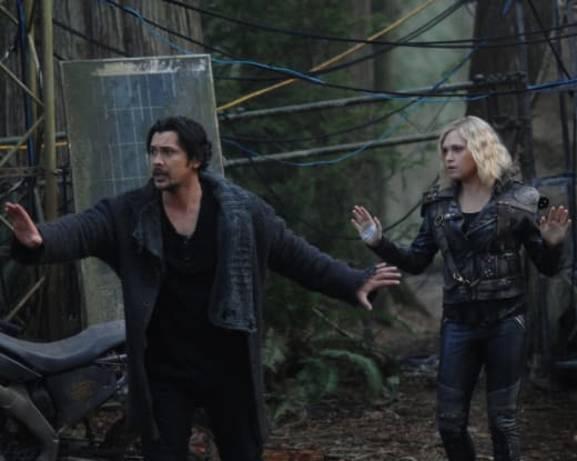 Bellamy and clarke with a problem the 100 s6e11