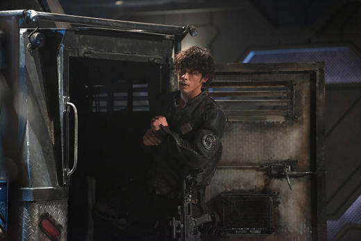 Bellamy near a truck the 100 season 3 episode 6