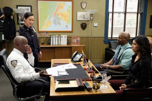 Calling in reinforcements brooklyn nine nine s6e10