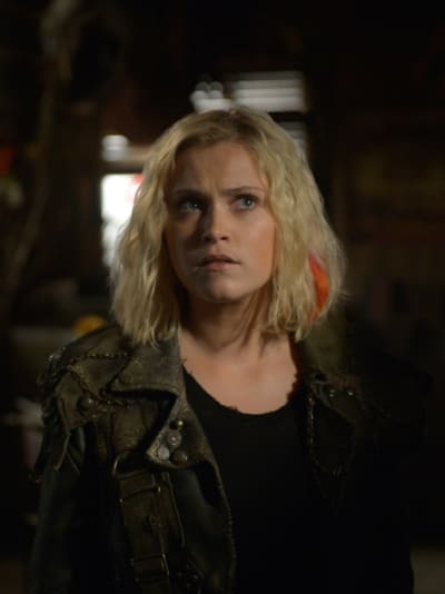 Clarke returns the 100 s6e7