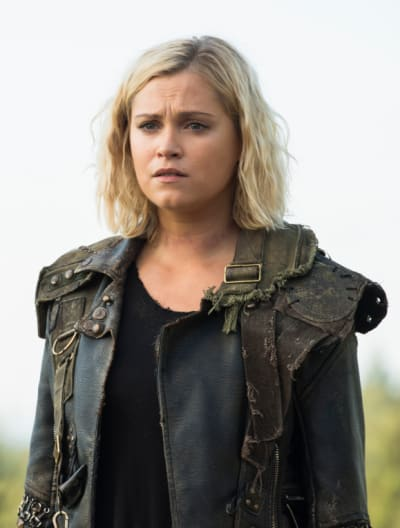 Clarke staring off the 100 s6e3