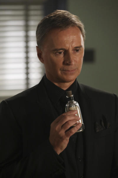 Drink me once upon a time season 6 episode 9