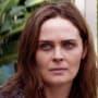 Emily deschanel as angela animal kingdom s4e2