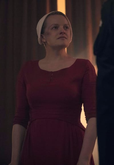June is determined the handmaids tale s3e13