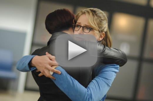 Kara and alex hug it out supergirl