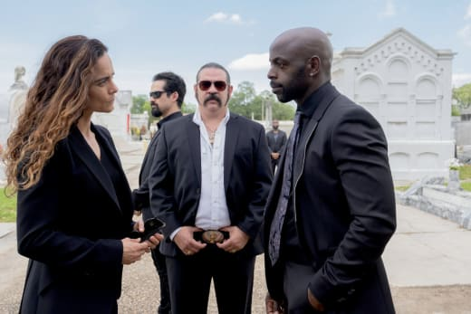 Making a deal queen of the south