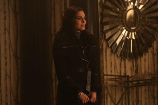 Regina gets a visitor once upon a time