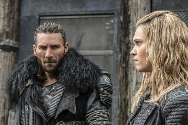 Roan and clarke the 100 season 4 episode 6