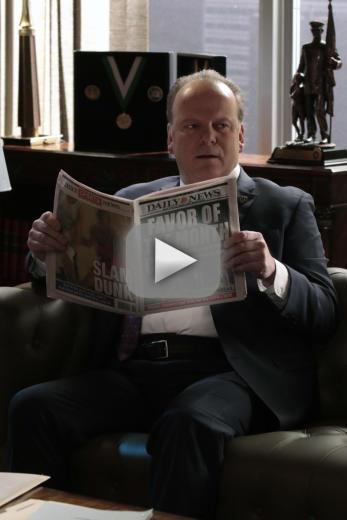 Sid reads about garrett blue bloods