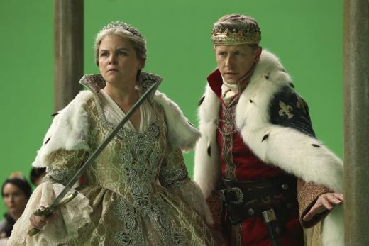 Snow and david are looking older once upon a time season 6 episo
