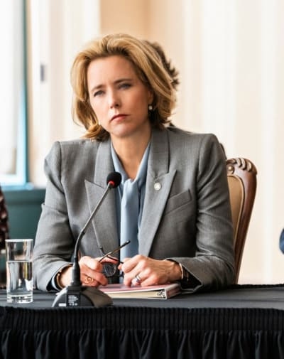 Tall bess finalizes a deal madam secretary s5e15