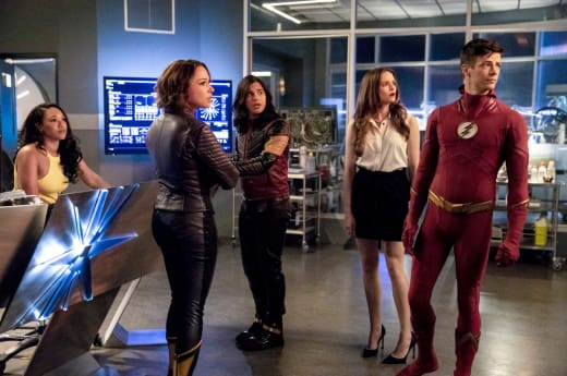 Team flash at star labs the flash s5e2