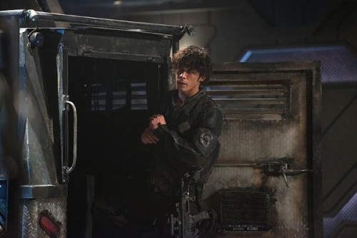 The 100 season 3 bellamy blake 500x334