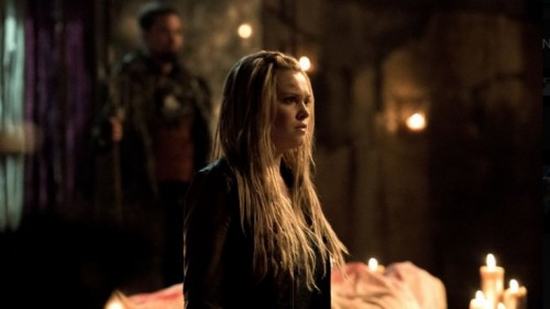 The 100 season 3 episode 9 clarke 500x281