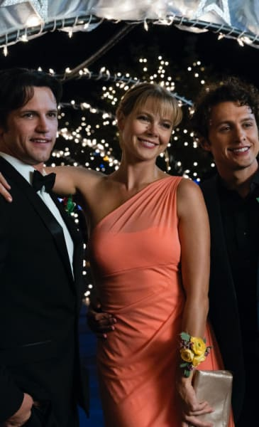Three aliens at prom roswell new mexico s1e6